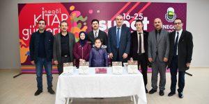 Polat 'Osmanlı Döneminde İnegöl' Kitabını İnegöllüler İçin İmzaladı