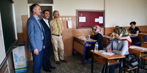 Belediye'den Üniversite Adaylarına Deneme Sınavı