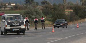 Uygulama Yapan Jandarma'ya Çarpıp Kaçtı