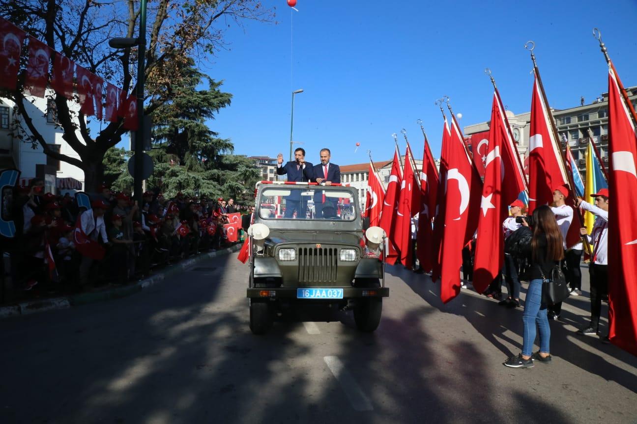 Bursa'da 'Cumhuriyet' coşkusu