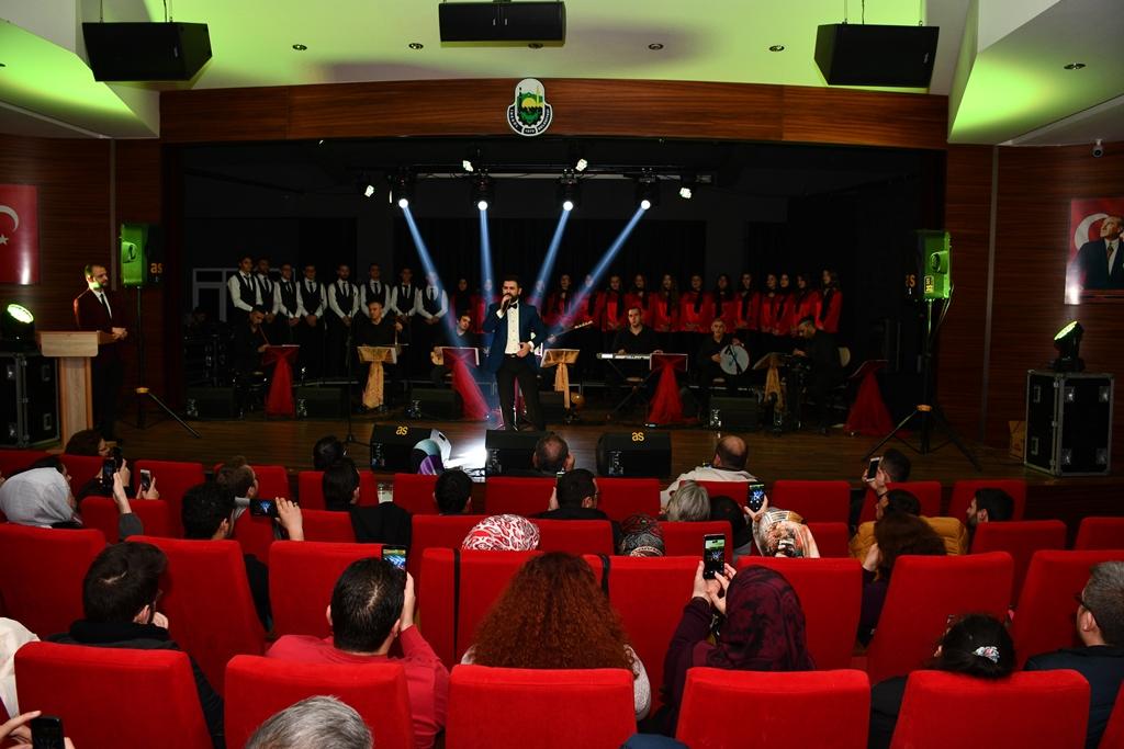 Ünal Zorer'den Muhteşem Konser